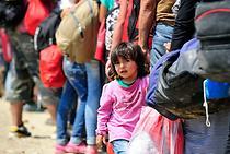 Young Syrian girl near the town of Gevgelija, former Yugoslav Republic of Macedonia. Photo: UNICEF/Tomislav Georgiev